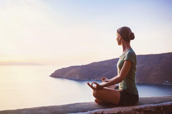 瞑想ヨガ(2020年4月スタート)